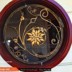 Khung bảo vệ cửa sổ hoa sen vàng KBV001