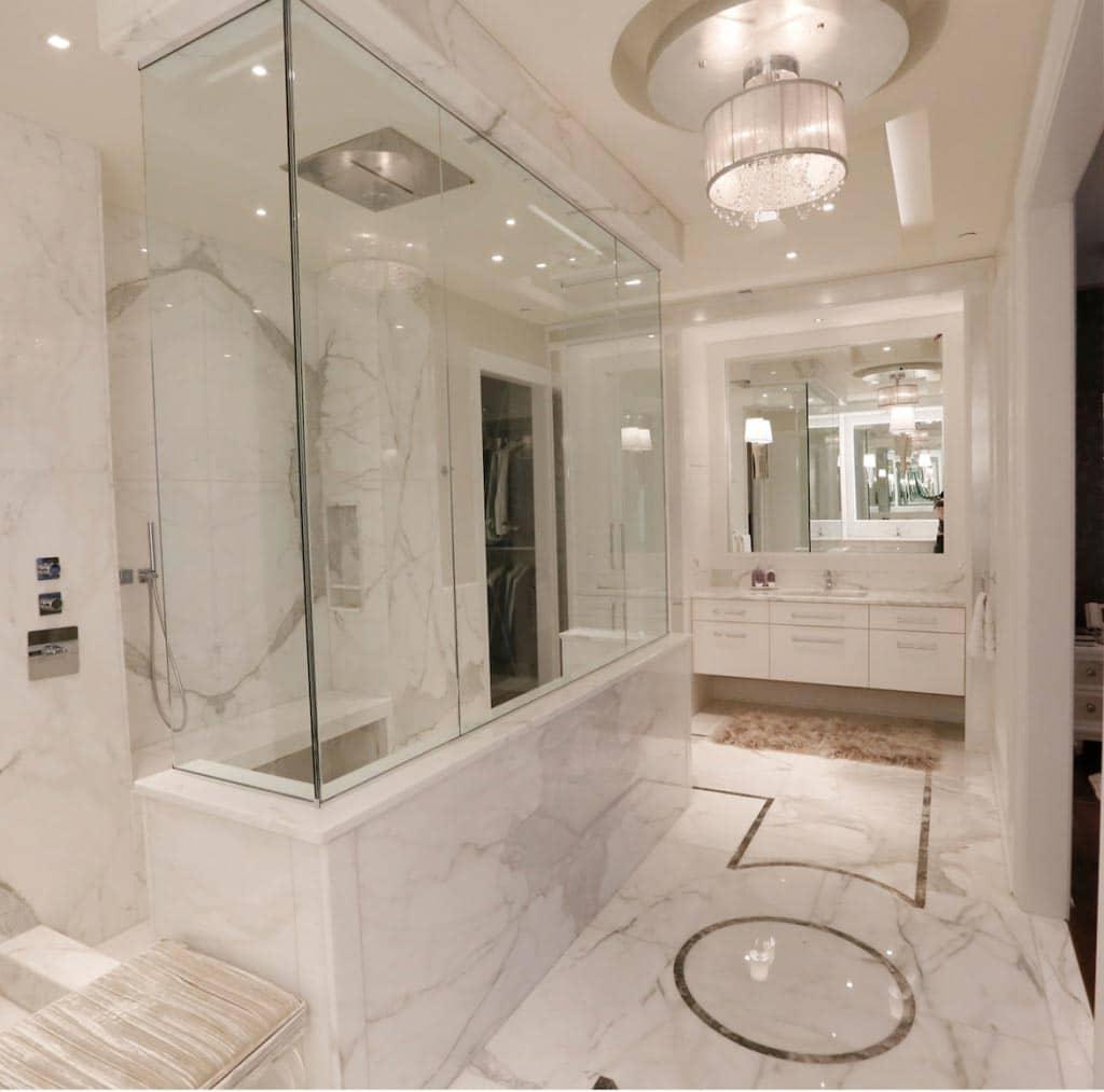 Phòng tắm gram màu hiện đại Dự án Philly Penthouse Top đề cử SBID